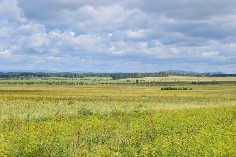 Από το $λ* ψασχκηρ λόφοι βουνών Ural στοκ εικόνες με δικαίωμα ελεύθερης χρήσης
