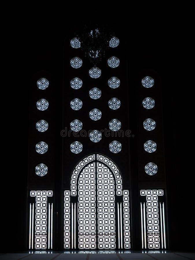 Αραβική πόρτα γυαλιού αρχιτεκτονικής δικτυωτή στοκ εικόνες