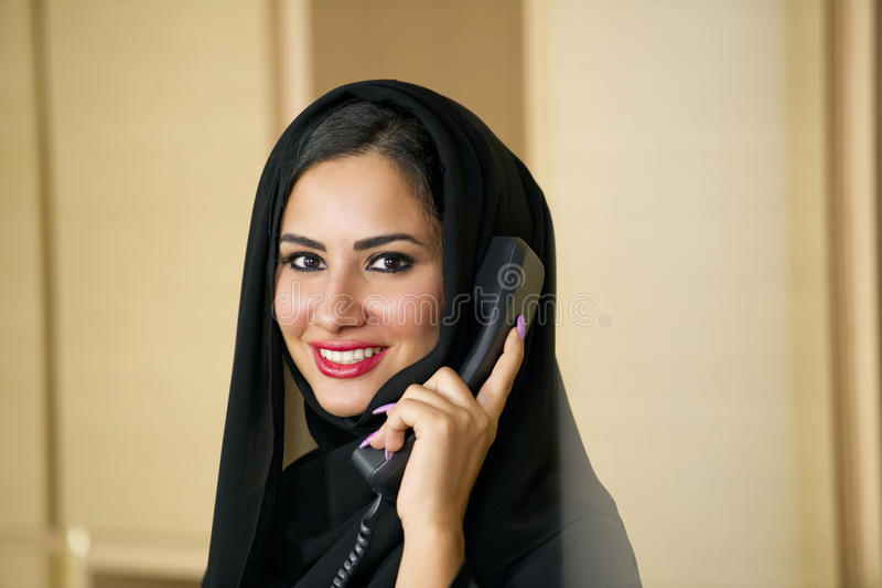 Αραβικός αντιπρόσωπος εξυπηρέτησης πελατών στοκ φωτογραφία