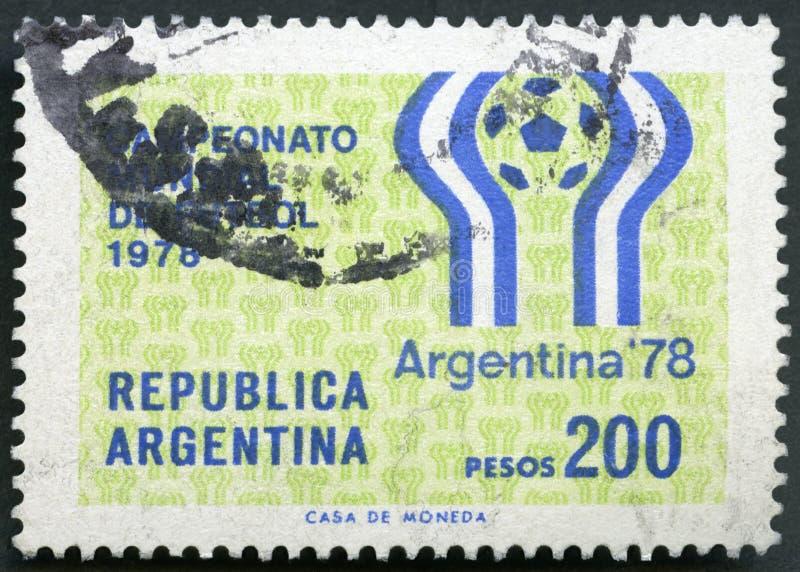 ΑΡΓΕΝΤΙΝΗ - 1977: παρουσιάζει έμβλημα παιχνιδιών ποδοσφαίρου, 11ο πρωτάθλημα ποδοσφαίρου Παγκόσμιου Κυπέλλου, Αργεντινή, 1-25 Ιου στοκ φωτογραφία με δικαίωμα ελεύθερης χρήσης