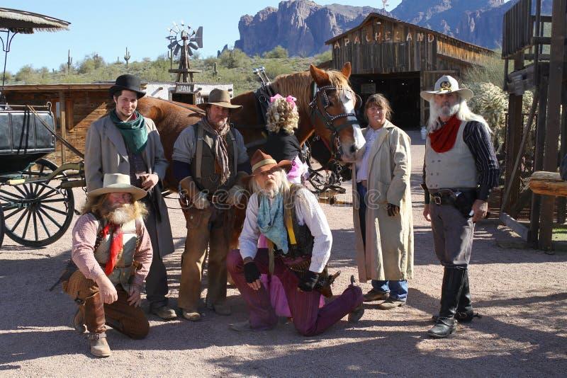 Αριζόνα, ΗΠΑ: Παλαιά δύση - δράστες στις παραδοσιακές εξαρτήσεις στοκ εικόνα