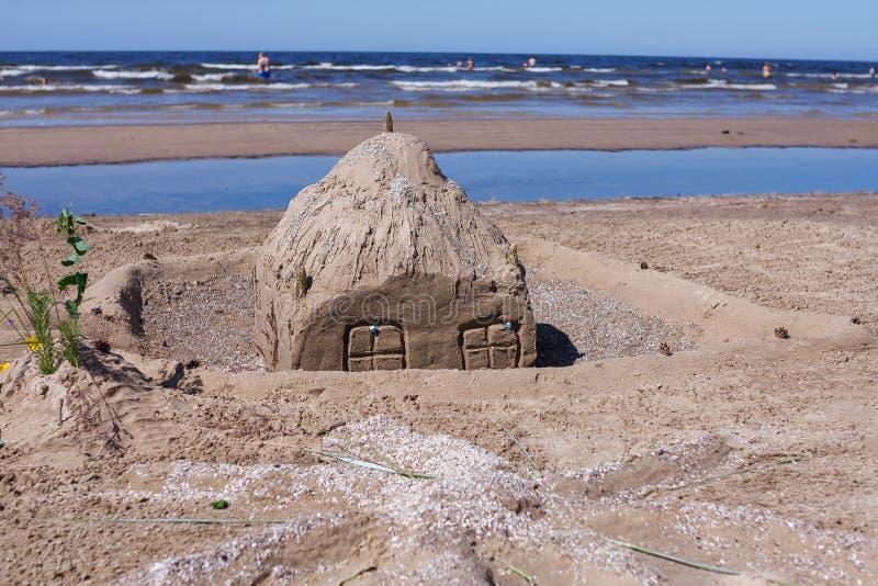 Αριθμοί γλυπτών άμμου για την παραλία στην ηλιόλουστη ημέρα στοκ εικόνα με δικαίωμα ελεύθερης χρήσης