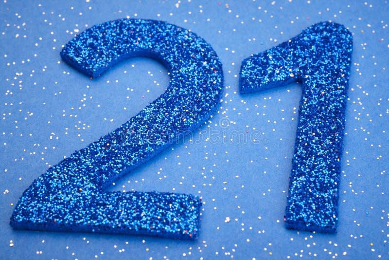 Αριθμός είκοσι ένα μπλε χρώμα πέρα από ένα μπλε υπόβαθρο εκμηδένισης διανυσματική απεικόνιση