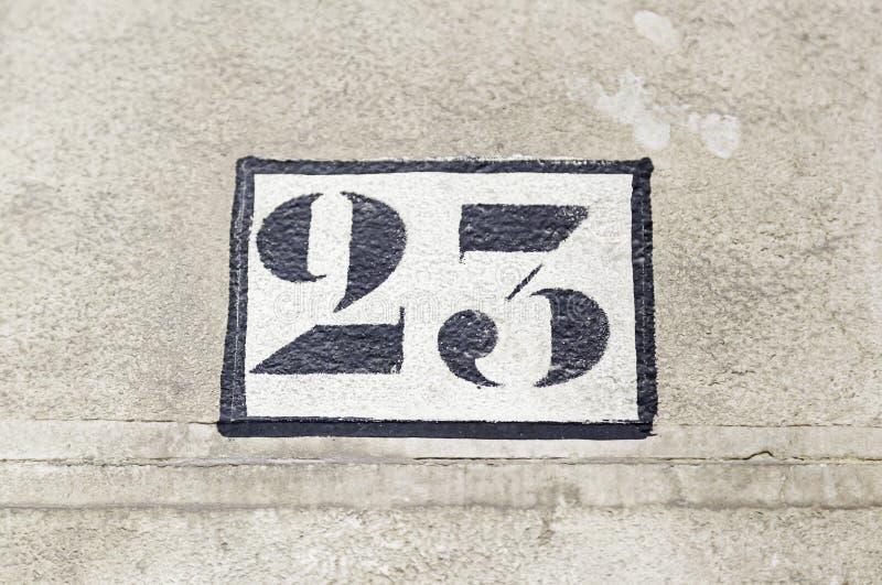 Αριθμός είκοσι τρία σε έναν τοίχο στοκ φωτογραφία