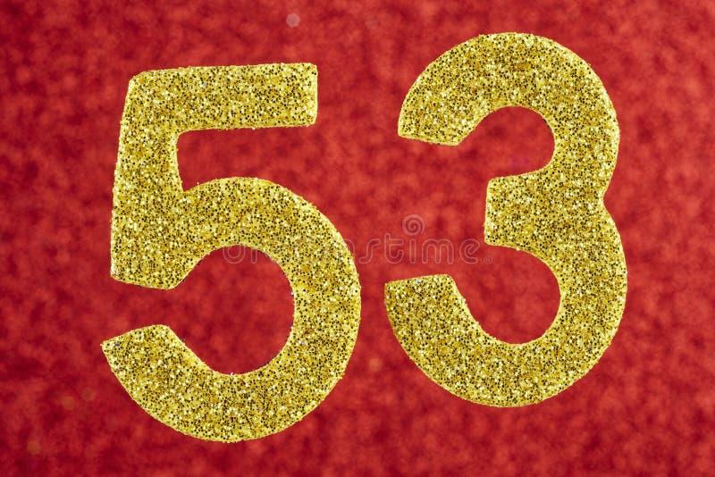 Αριθμός πενήντα τρία χρυσό χρώμα πέρα από ένα κόκκινο υπόβαθρο εκμηδένισης διανυσματική απεικόνιση