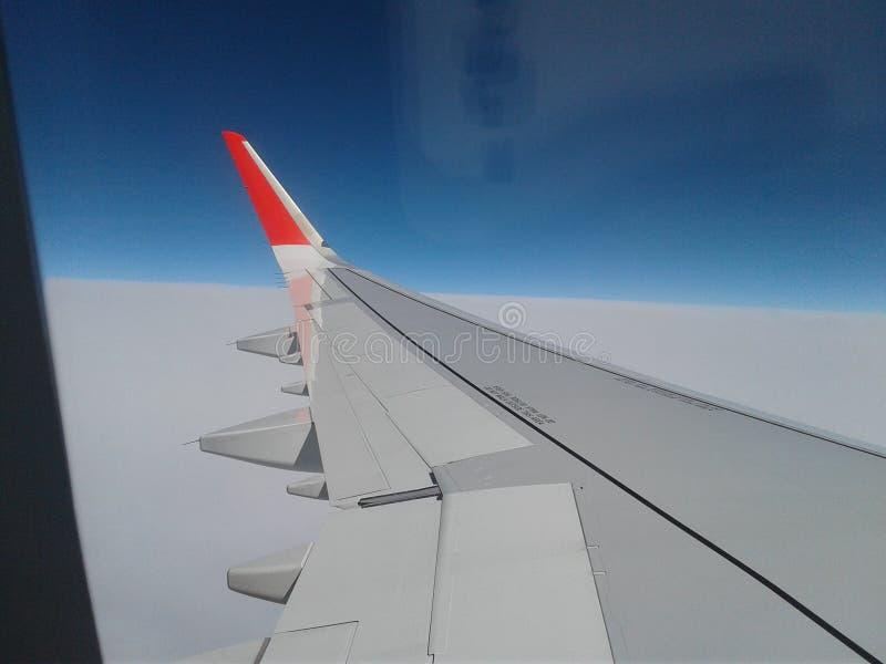 αριστερός μπλε ουρανός αεροπλάνων στοκ φωτογραφία με δικαίωμα ελεύθερης χρήσης