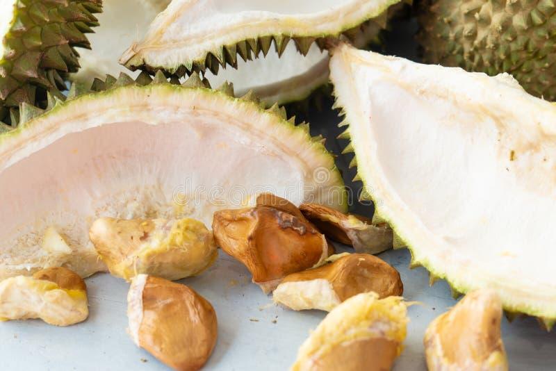 Αριστερό πέρα από durian στοκ φωτογραφία με δικαίωμα ελεύθερης χρήσης