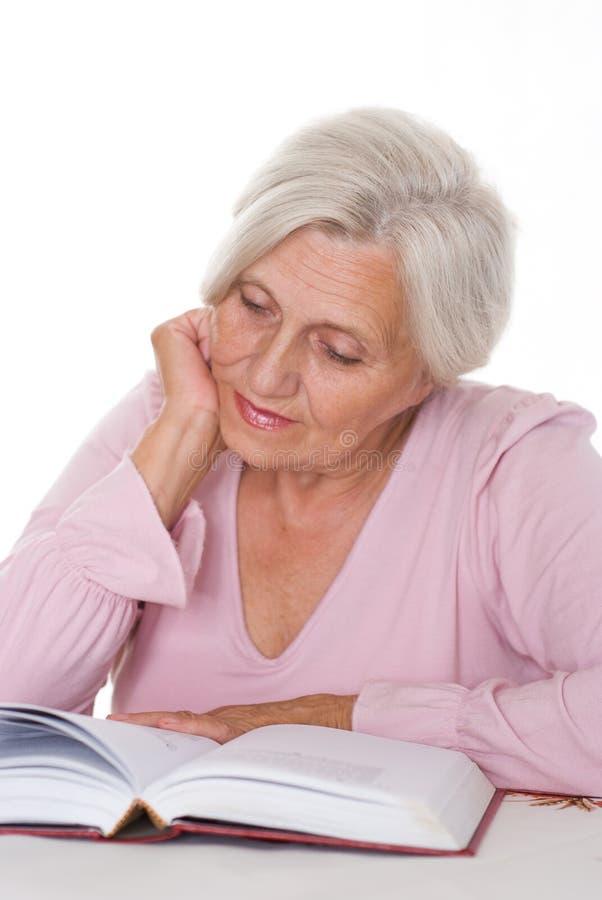 Αρκετά ηλικιωμένη γυναίκα στοκ εικόνες