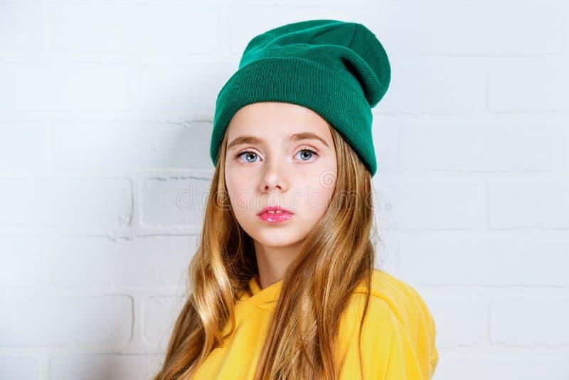 Αρκετά όμορφο κορίτσι στοκ φωτογραφίες με δικαίωμα ελεύθερης χρήσης