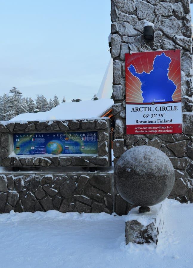 Αρκτικός κύκλος Napapiiri, Ροβανιέμι Φινλανδία Χωριό Άγιου Βασίλη στοκ εικόνα
