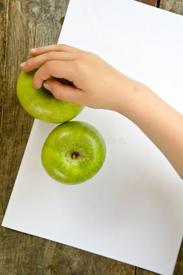 Αρπάξτε τα μήλα στοκ φωτογραφίες με δικαίωμα ελεύθερης χρήσης