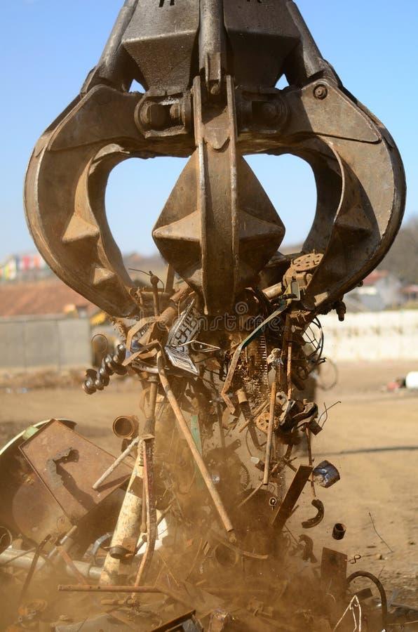 Αρπαγή φλούδας για το παλιοσίδερο στοκ εικόνες με δικαίωμα ελεύθερης χρήσης