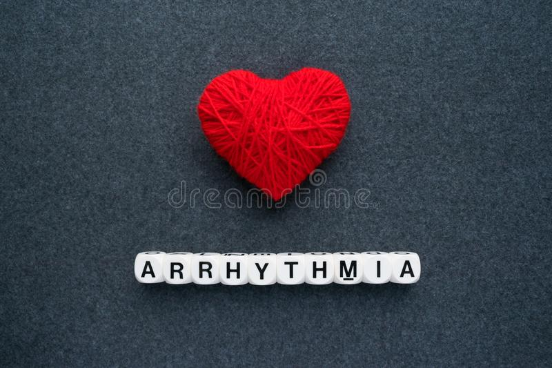 Αρρυθμία καρδιών, καρδιακό dysrhythmia ή ανώμαλος κτύπος της καρδιάς AR στοκ φωτογραφία με δικαίωμα ελεύθερης χρήσης