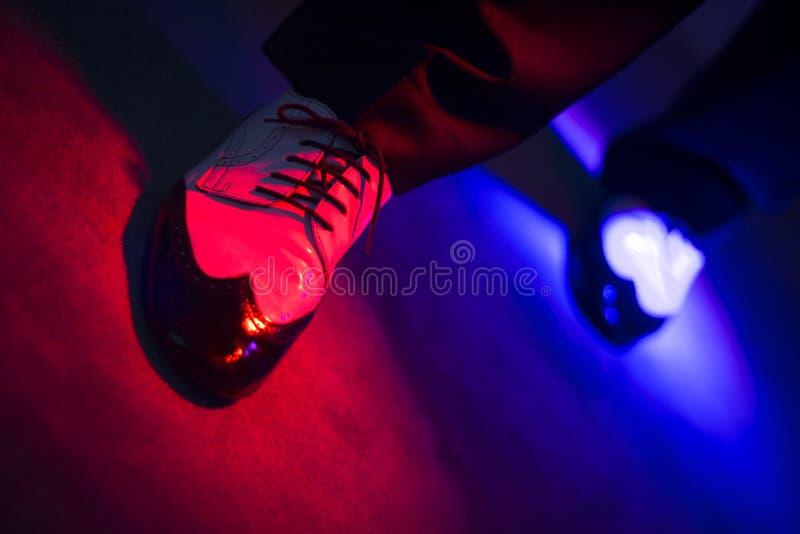 Αρσενικά χορεύοντας παπούτσια χορευτών στοκ εικόνα