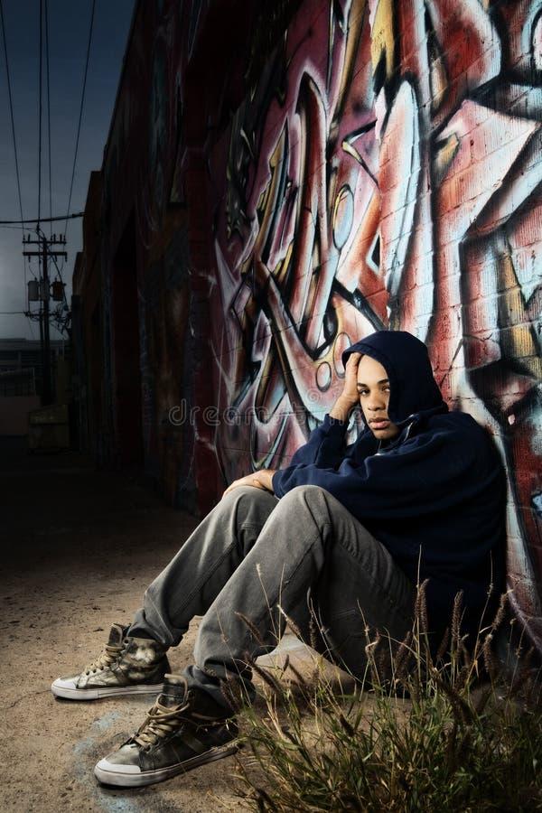 αρσενικές νεολαίες αλ&eps στοκ φωτογραφίες