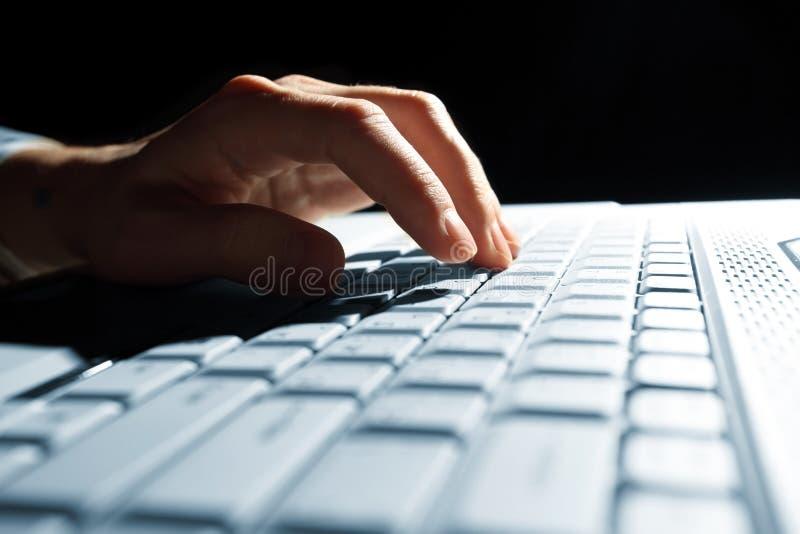 αρσενική δακτυλογράφησ& στοκ φωτογραφίες