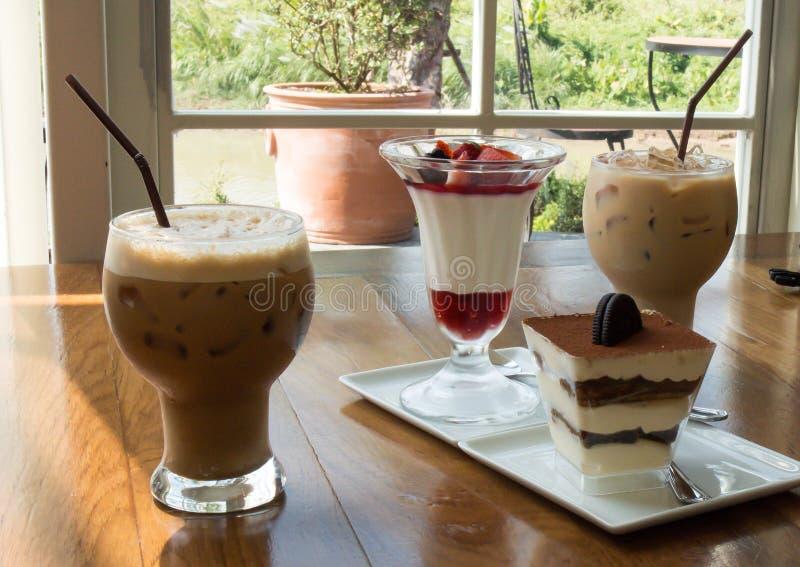 Αρτοποιείο και καφές στοκ φωτογραφίες με δικαίωμα ελεύθερης χρήσης