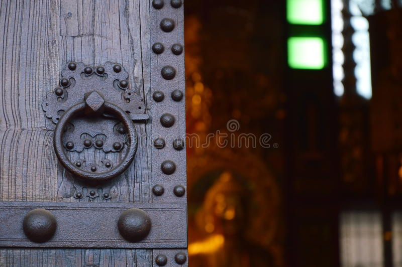 αρχαία λαβή πορτών στοκ εικόνα με δικαίωμα ελεύθερης χρήσης