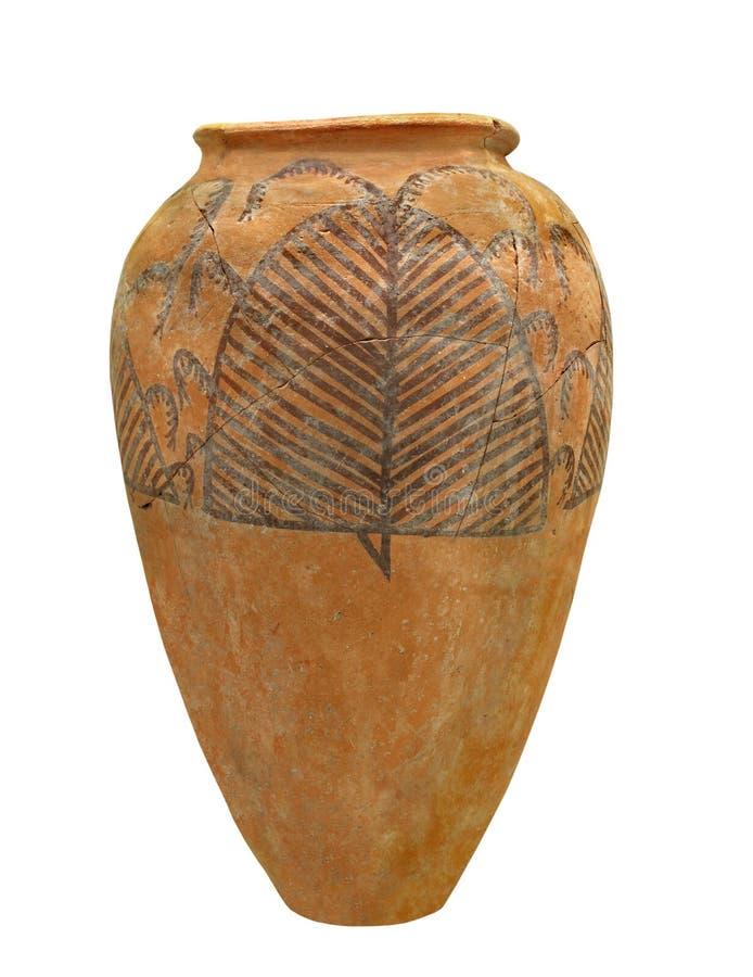 Αρχαία αιγυπτιακή αγγειοπλαστική που απομονώνεται στοκ φωτογραφίες