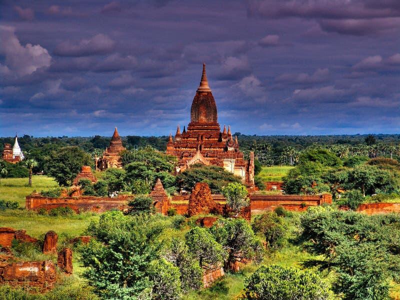 Αρχαία αρχιτεκτονική ναών Htilominlo Bagan, το Μιανμάρ στοκ φωτογραφία