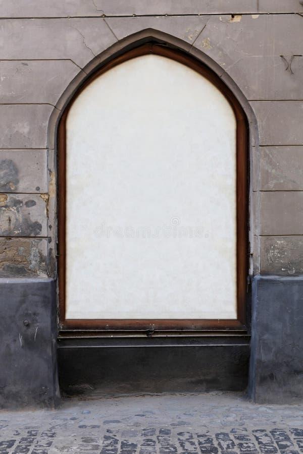 Αρχαία θέση για τη διαφήμιση στο παράθυρο στοκ εικόνα με δικαίωμα ελεύθερης χρήσης