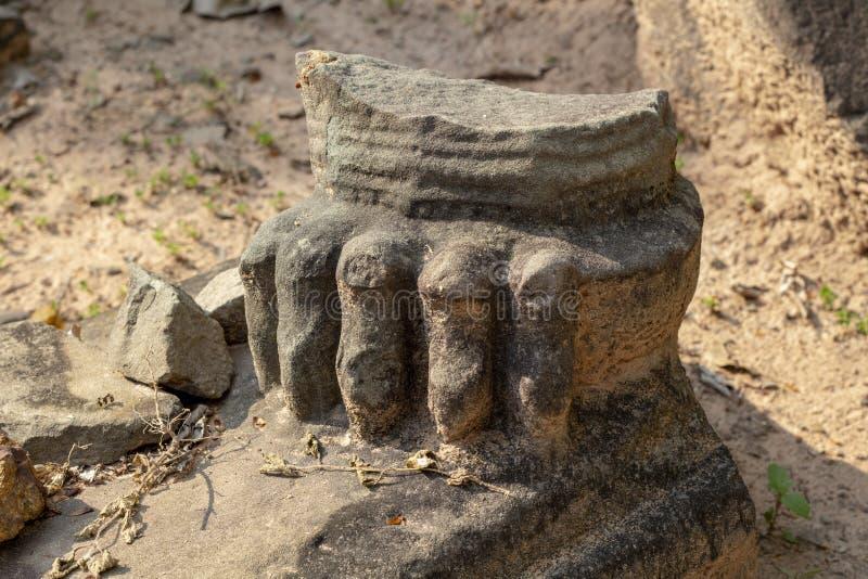 Αρχαία καταστροφή πετρών στο ναό Angkor Wat Ζωική κινηματογράφηση σε πρώτο πλάνο τεμαχίων αγαλμάτων Khmer καταστροφή ναών κληρονο στοκ φωτογραφία με δικαίωμα ελεύθερης χρήσης
