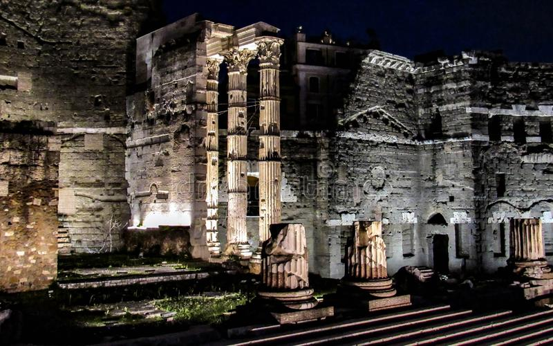 Αρχαία καταστροφή στη Ρώμη τη νύχτα, Ιταλία στοκ φωτογραφία