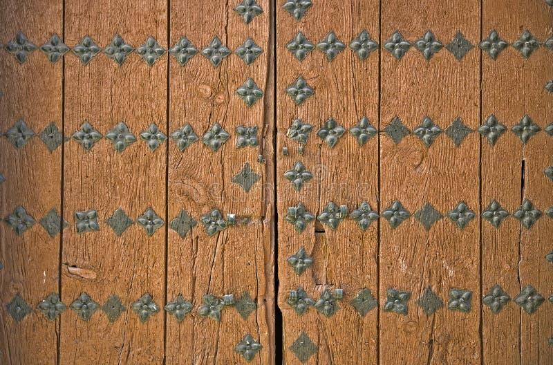 αρχαία καφετιά πόρτα λεπτ&omicro στοκ εικόνες