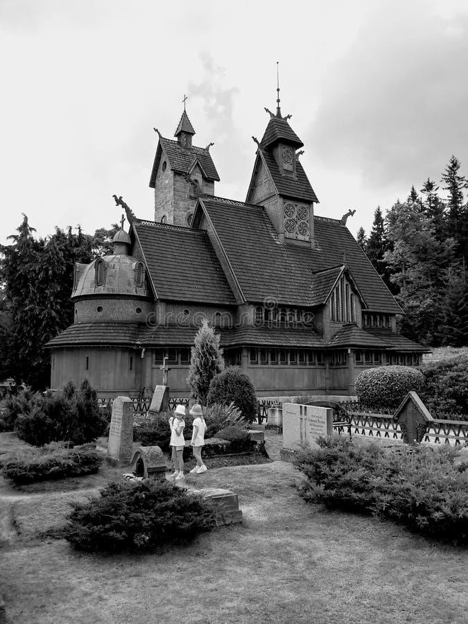 Αρχαία ξύλινη εκκλησία Βίκινγκ σε Karpacz, Πολωνία στοκ εικόνες με δικαίωμα ελεύθερης χρήσης