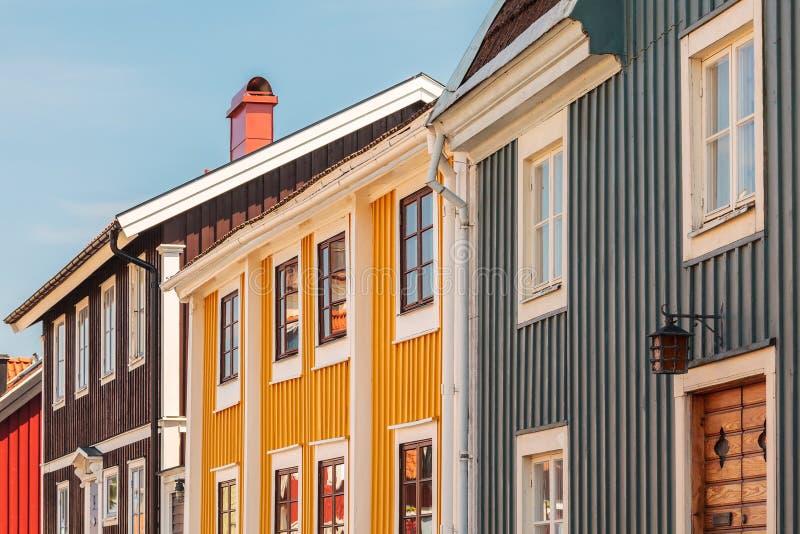 Αρχαία ξύλινα σπίτια σε Karlskrona, Σουηδία στοκ φωτογραφία