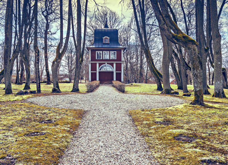 Αρχαία οικοδόμηση του ανοικτού δημόσιου μουσείου αέρα Ungermuizha, περιοχή Cesis, της Λετονίας στοκ φωτογραφία