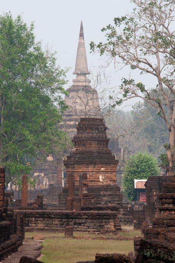 Αρχαία παγόδα σε Wat Jed Yod στο ιστορικό πάρκο Si Satchanalai. στοκ φωτογραφίες