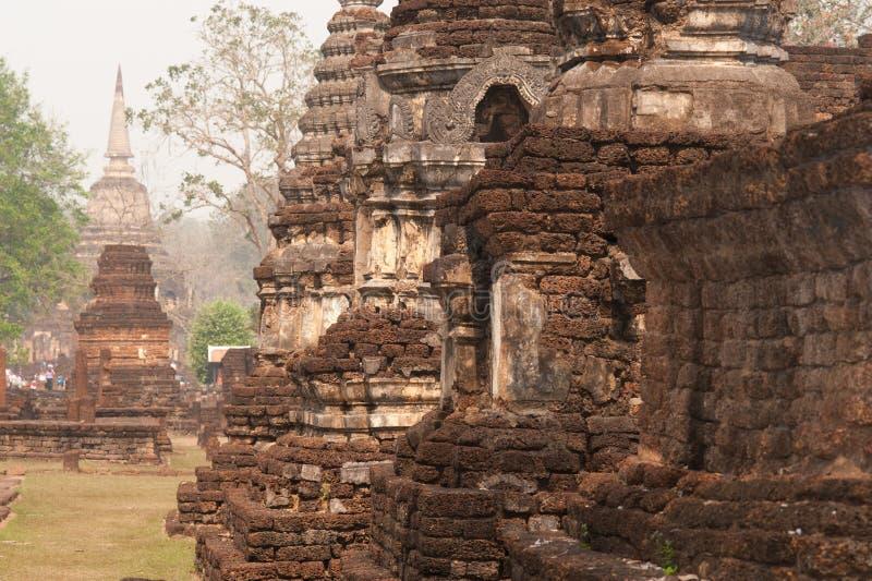 Αρχαία παγόδα σε Wat Jed Yod στο ιστορικό πάρκο Si Satchanalai. στοκ εικόνα