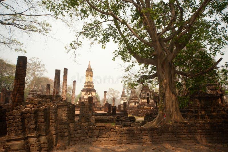 Αρχαία παγόδα σε Wat Jed Yod στο ιστορικό πάρκο Si Satchanalai. στοκ φωτογραφία με δικαίωμα ελεύθερης χρήσης