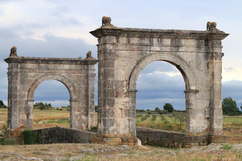 Αρχαία ρωμαϊκή γέφυρα του Flavien κοντά σε Άγιος-Chamas, Γαλλία στοκ φωτογραφίες με δικαίωμα ελεύθερης χρήσης