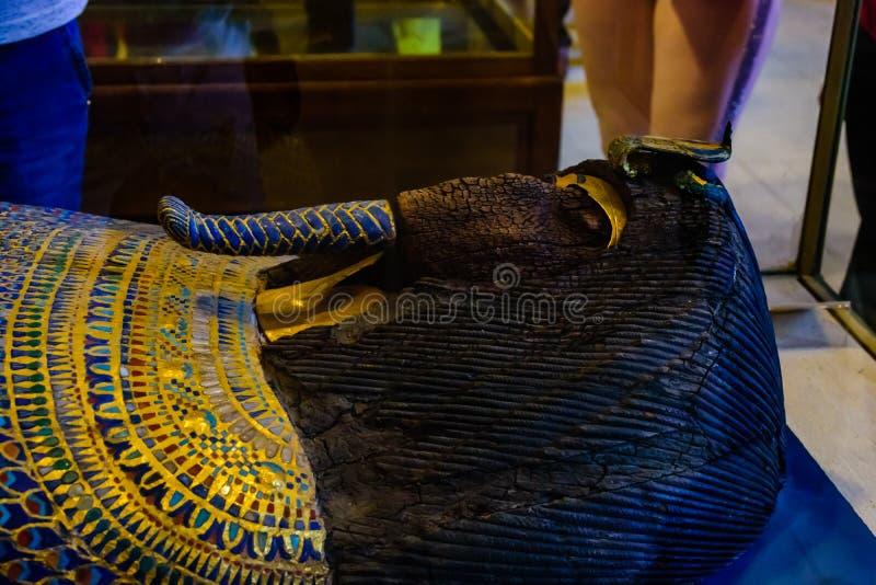 Αρχαία Σαρκοφάγος στο μουσείο των αιγυπτιακών αρχαιοτήτων γνωστών συνήθως ως αιγυπτιακό μουσείο ή το μουσείο του Καίρου στοκ φωτογραφία με δικαίωμα ελεύθερης χρήσης