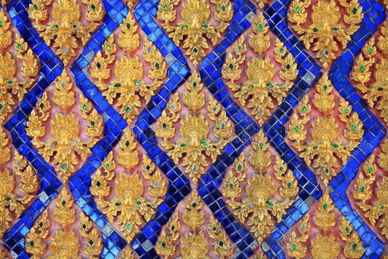 Αρχαία ταϊλανδική floral ζωγραφική τέχνης στο ναό στοκ φωτογραφία με δικαίωμα ελεύθερης χρήσης