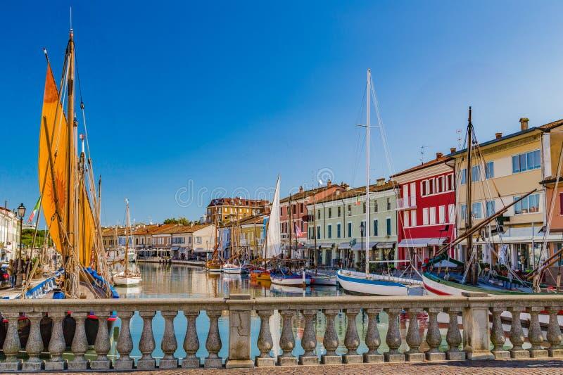 Download αρχαία Sailboats στον ιταλικό λιμένα καναλιών Στοκ Εικόνα - εικόνα από παλαιός, ευρώπη: 62714469