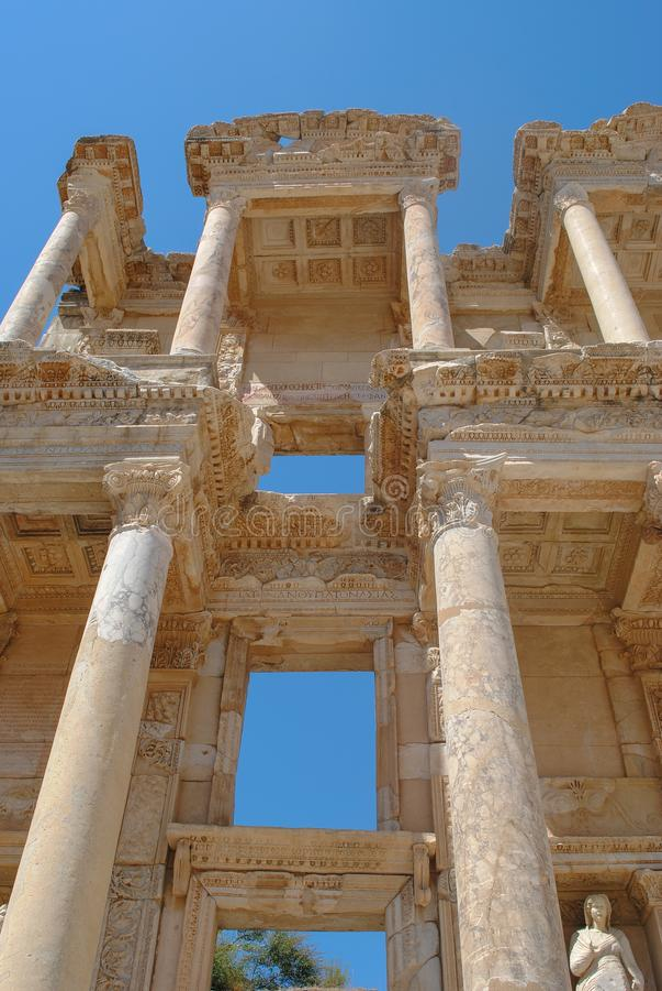 Αρχαίες καταστροφές της βιβλιοθήκης του Κέλσου, καταστροφές της αρχαίας πόλης Ephesus, η πόλη αρχαίου Έλληνα στην Τουρκία στοκ εικόνες με δικαίωμα ελεύθερης χρήσης