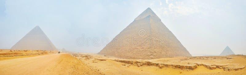 Αρχαίες πυραμίδες σε Giza, Αίγυπτος στοκ φωτογραφίες