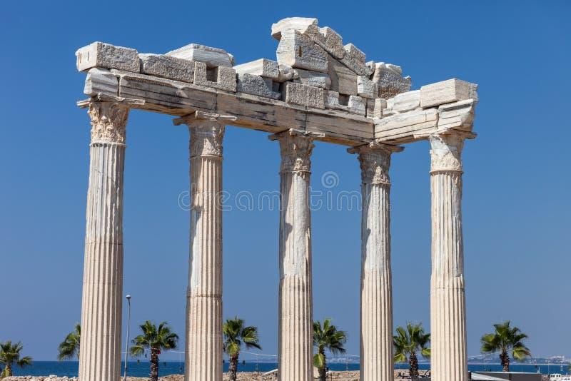 Αρχαίες στήλες ναών απόλλωνα στην πλευρά της Τουρκίας στοκ εικόνες