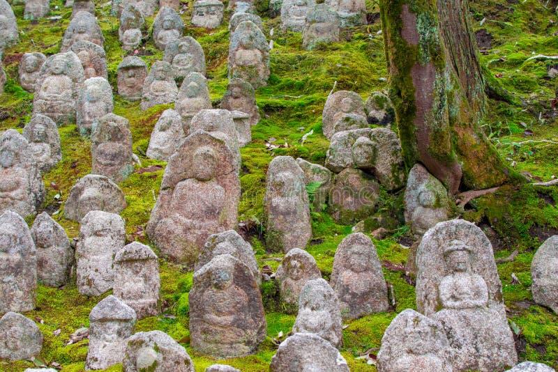 αρχαίες ταφόπετρες στοκ εικόνες