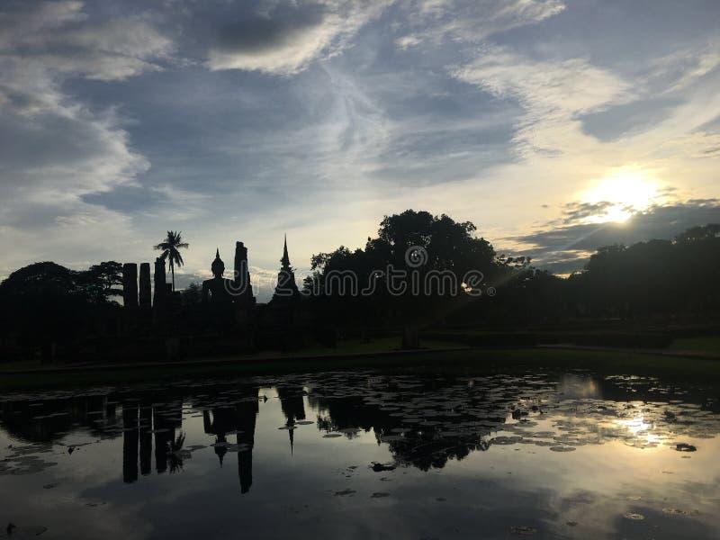 Αρχαίος ναός στο ιστορικό πάρκο Sukhothai, επαρχία Sukhothai, Ταϊλάνδη στοκ εικόνα με δικαίωμα ελεύθερης χρήσης