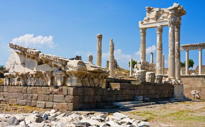 αρχαίος ναός trajan στοκ εικόνες