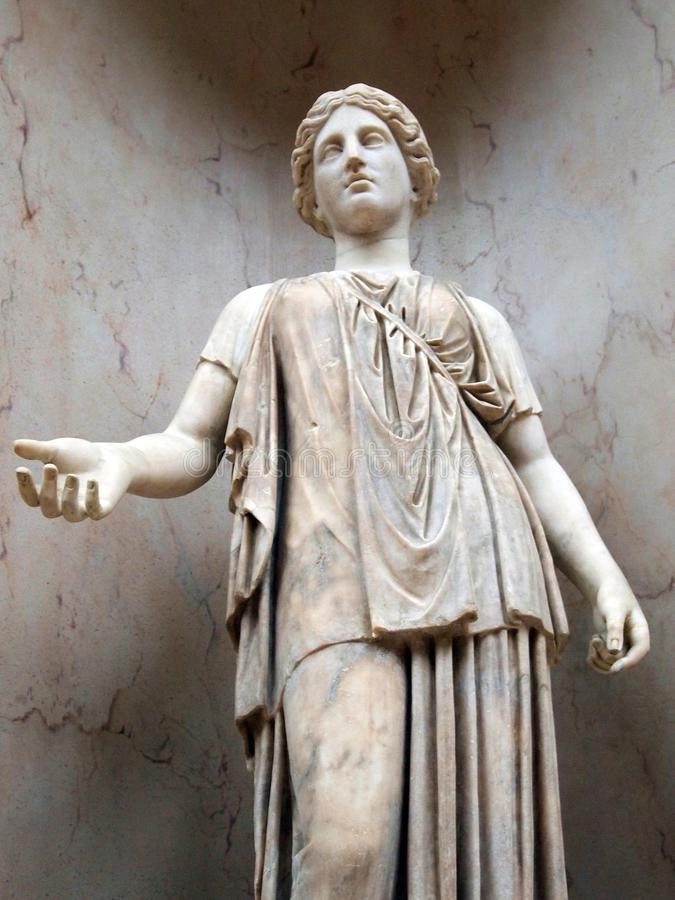 Αρχαίος περιπλανηθείτε το μαρμάρινο άγαλμα, μουσείο του Λούβρου, Παρίσι, Γαλλία στοκ εικόνα με δικαίωμα ελεύθερης χρήσης