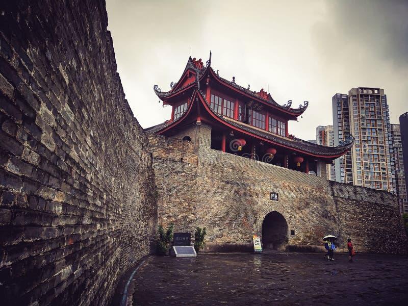 αρχαίος πύργος πυλών πόλε&om στοκ εικόνα με δικαίωμα ελεύθερης χρήσης
