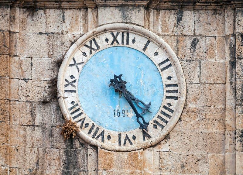 Αρχαίος πύργος ρολογιών στοκ φωτογραφία με δικαίωμα ελεύθερης χρήσης