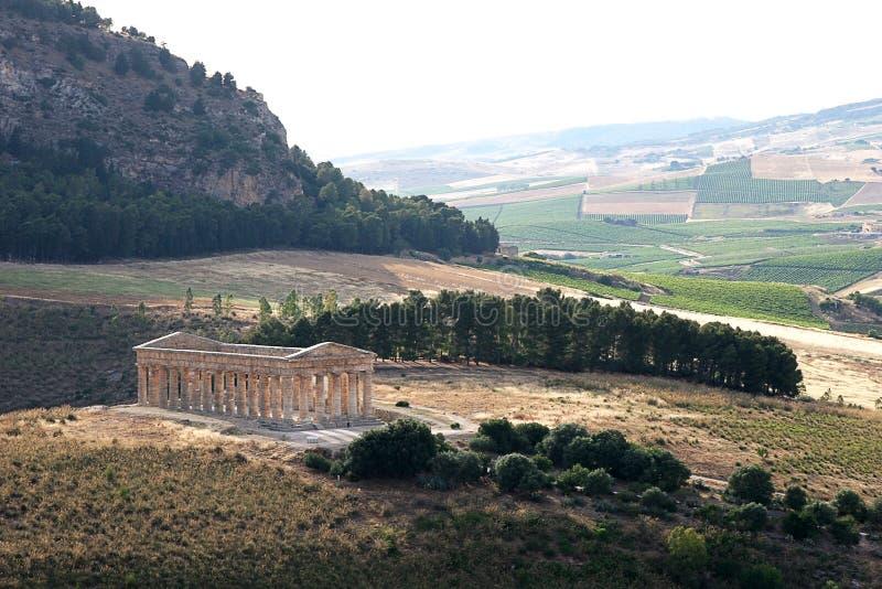 αρχαίος σισιλιάνος ναός στοκ εικόνα με δικαίωμα ελεύθερης χρήσης