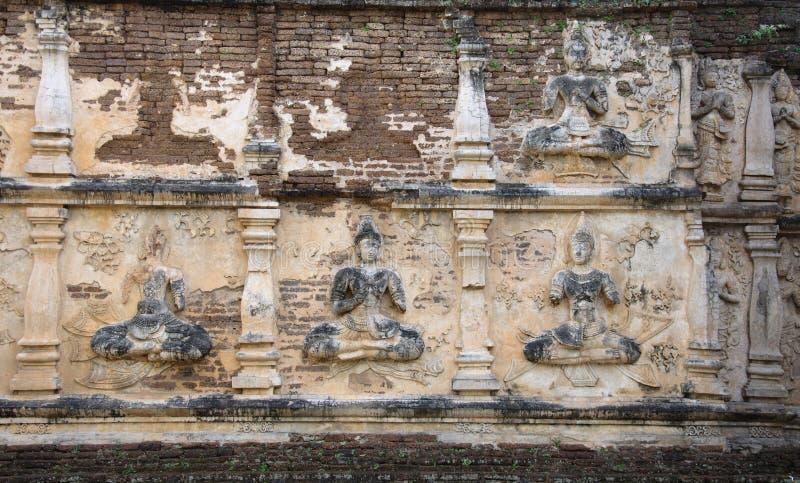 αρχαίος ταϊλανδικός τοίχ&omic στοκ εικόνες με δικαίωμα ελεύθερης χρήσης