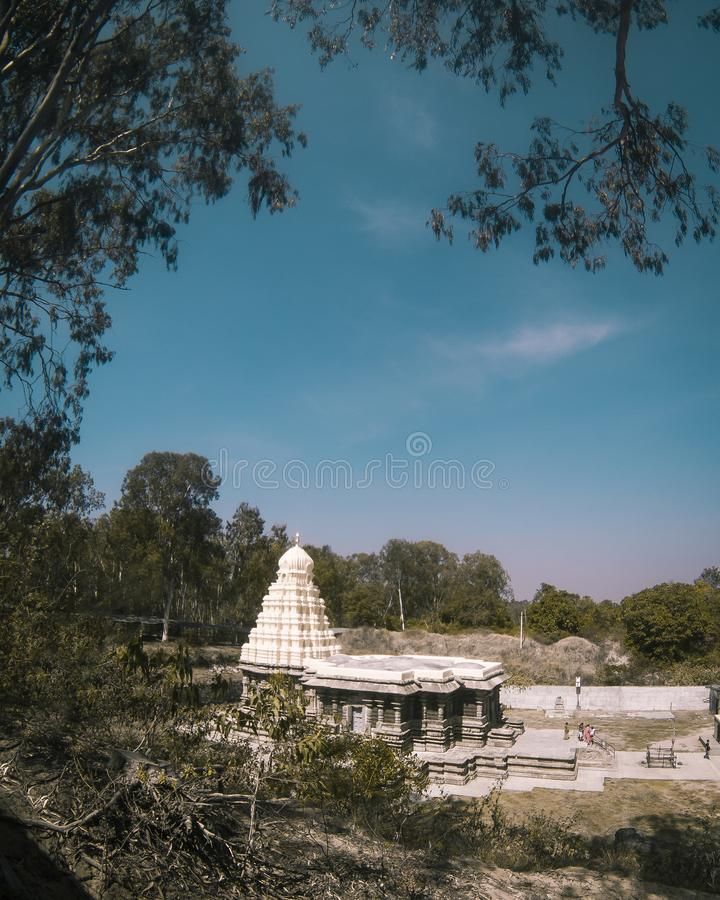 Αρχαίος όμορφος γλυπτός ναός πετρών στην Ινδία στοκ φωτογραφίες με δικαίωμα ελεύθερης χρήσης